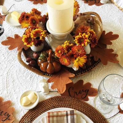 Amazing Thankgiving Dinner Table Decoration With Candle, Leaves And Flowers