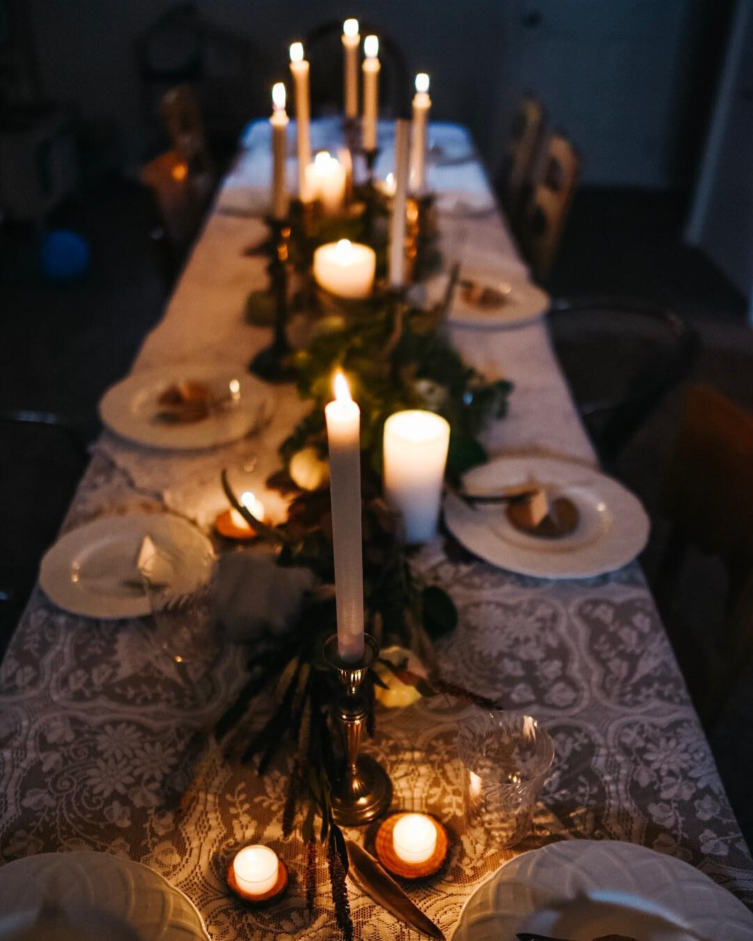 Cool Table decoration with candles for thanksgiving dinner