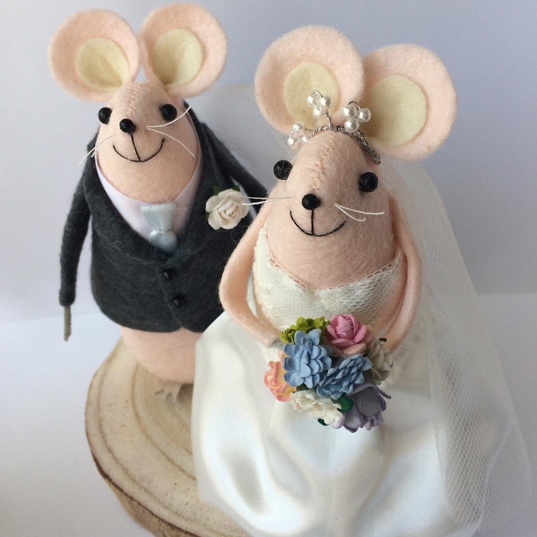 Cutest wedding cake toppers