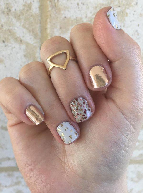Wedding nails: photo of exquisite designs