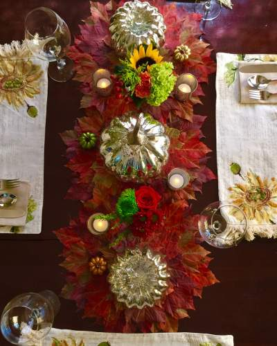 Fall table decor with pumpkins