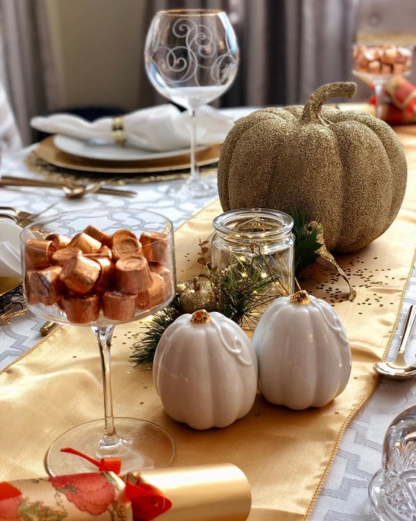 Glittery pumpkin for table decor