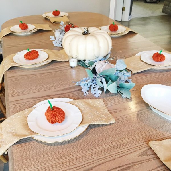 Knit Pumpkins For Thanksgiving Table Decor