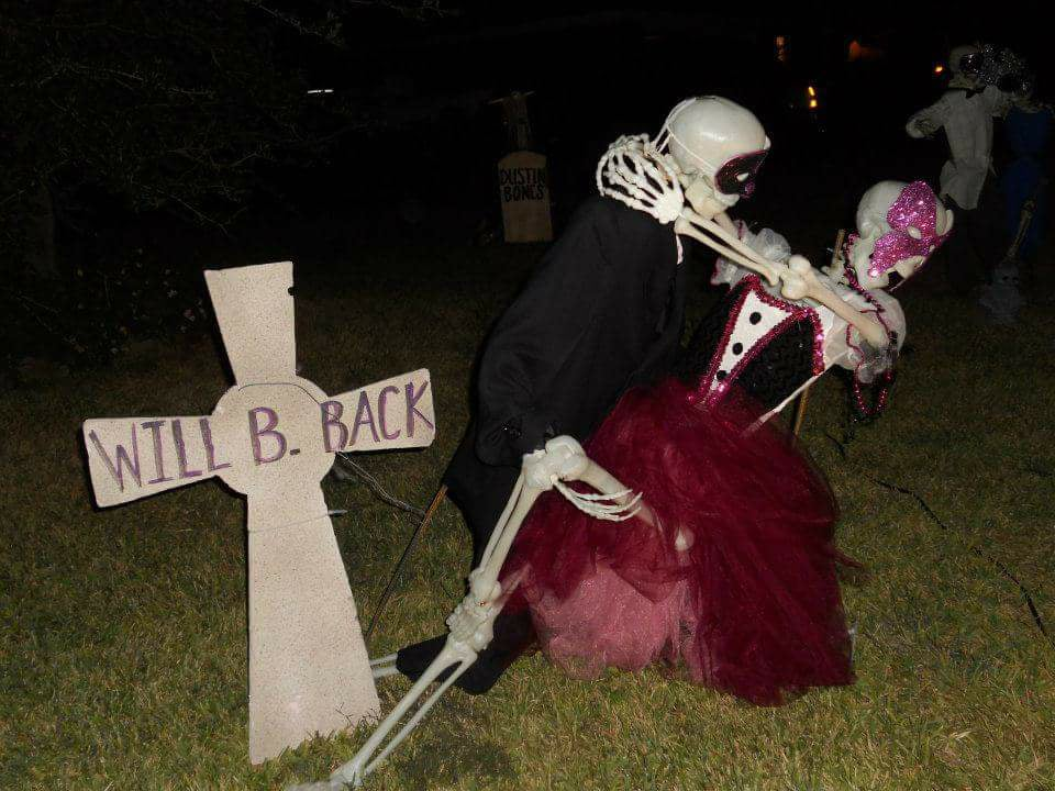Fabulous Skeleton Couple Dance In Backyard.