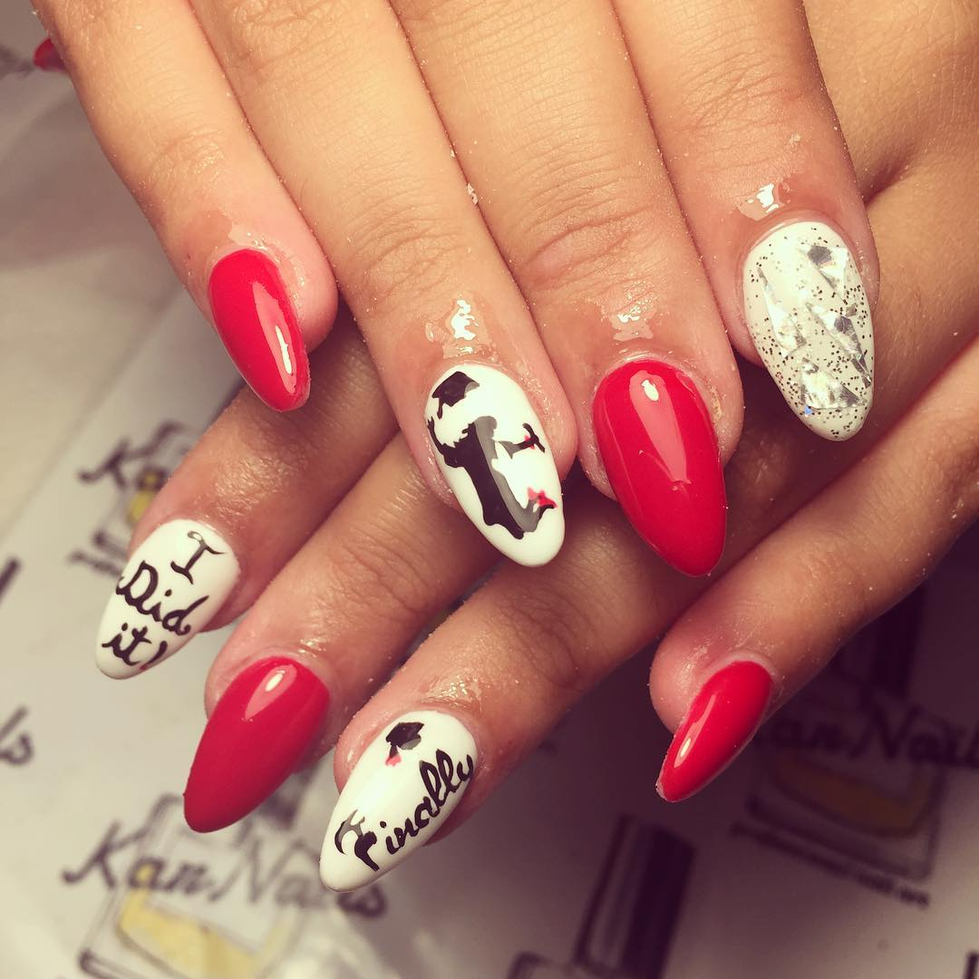 Fantastic red and white graduation nails. Pic by karnails_