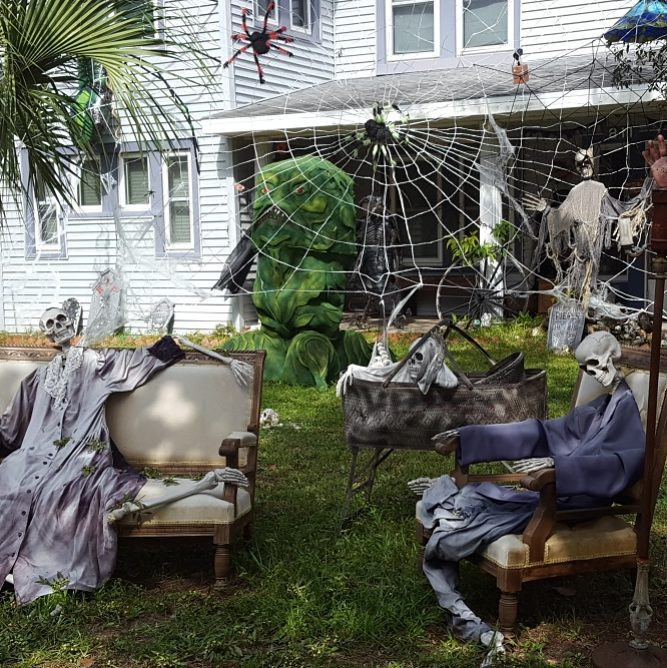 Wonderful Backyard Decoration for Halloween.