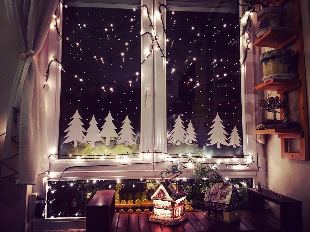 40 exclusive christmas window decoration ideas collagecab. Black Bedroom Furniture Sets. Home Design Ideas