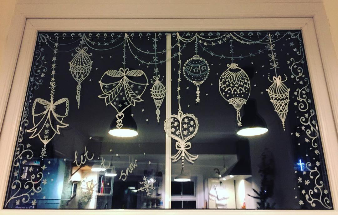 40 Exclusive Christmas Window Decoration Ideas Collagecab