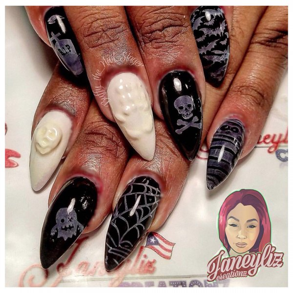 Amazing black and white 3D Halloween nails. Pic by buffy_the_nail_slayer