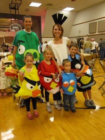 Angry Bird family costumes for Halloween party.