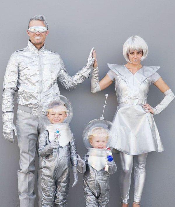 Astronaut family Halloween costume.