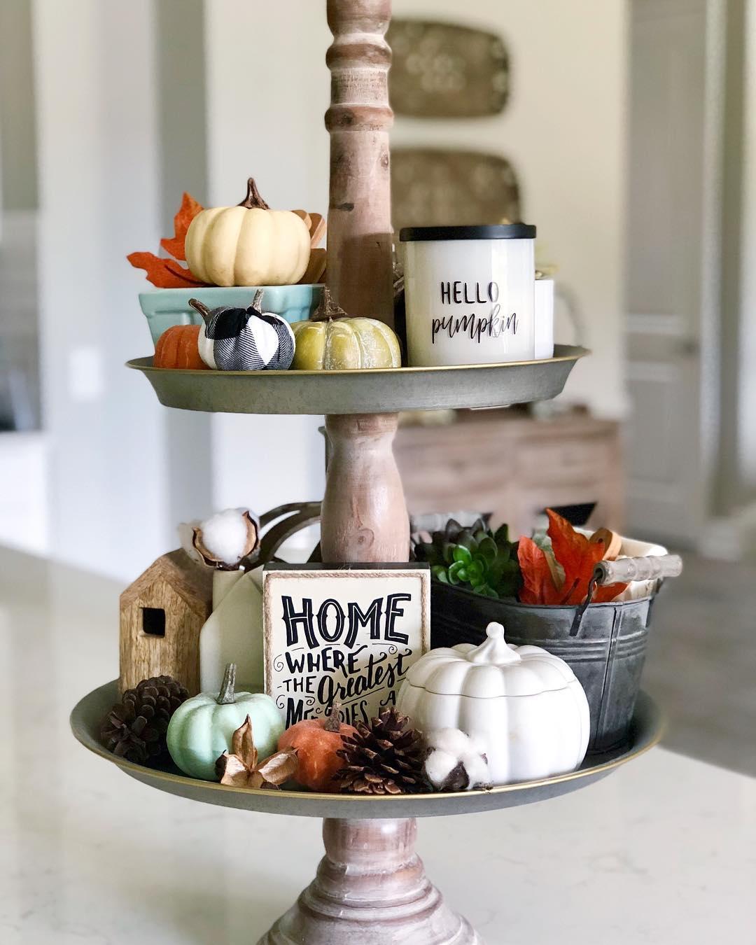 Basic Pumpkin Halloween Decor Idea. Pic by kbukovan