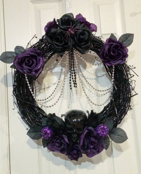 Beautiful black and purple Halloween wreath.