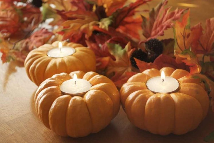 Beautiful mini pumpkin candles.