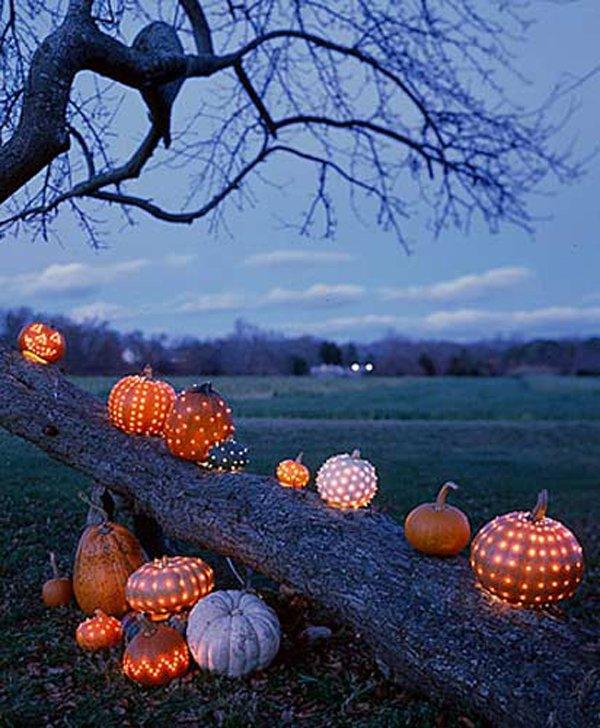 Best Way to Decorate Outdoor with Pumpkin for Halloween.