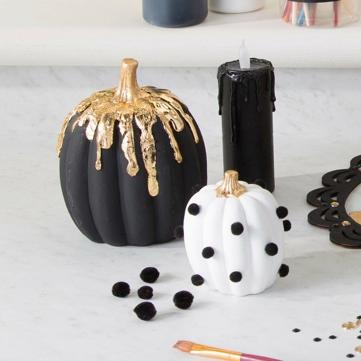Black and white pumpkin decor for Halloween. Pic by orientaltrading