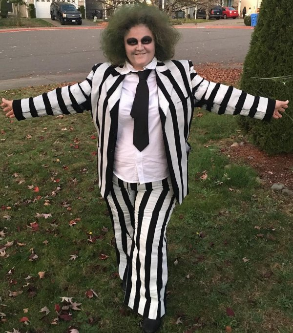 Black and white stripes costume for Halloween. Pic by dudewheresmyvacation