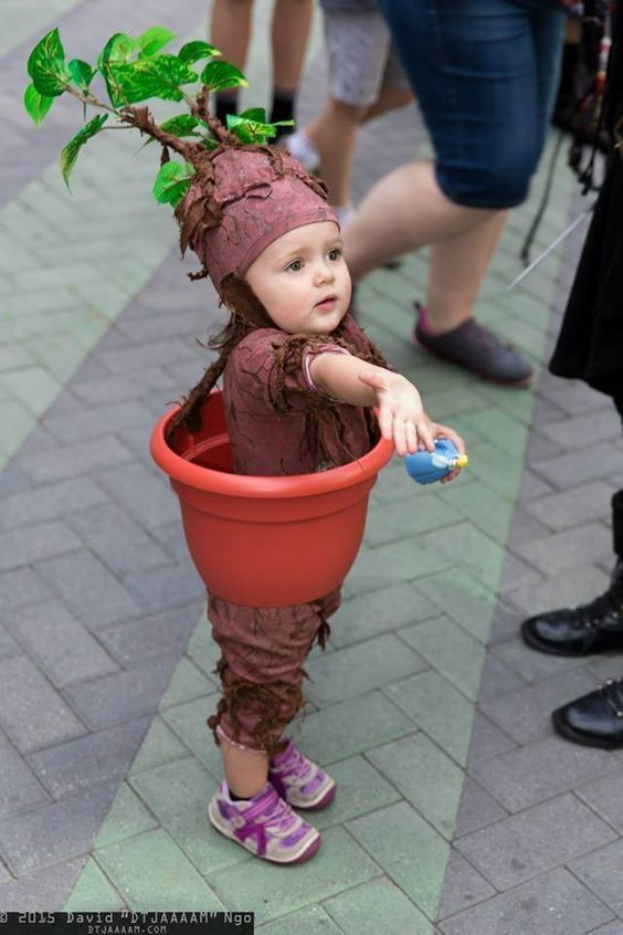 Brilliant idea to make your toddler plant.