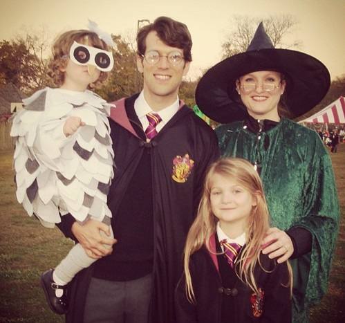 Charming Harry Potter family costumes.