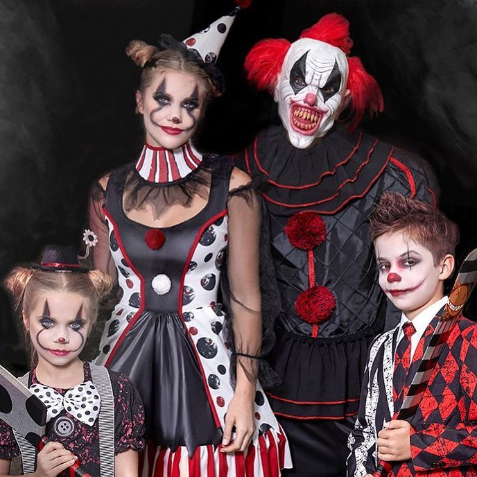 Clown family costume for halloween theme party.
