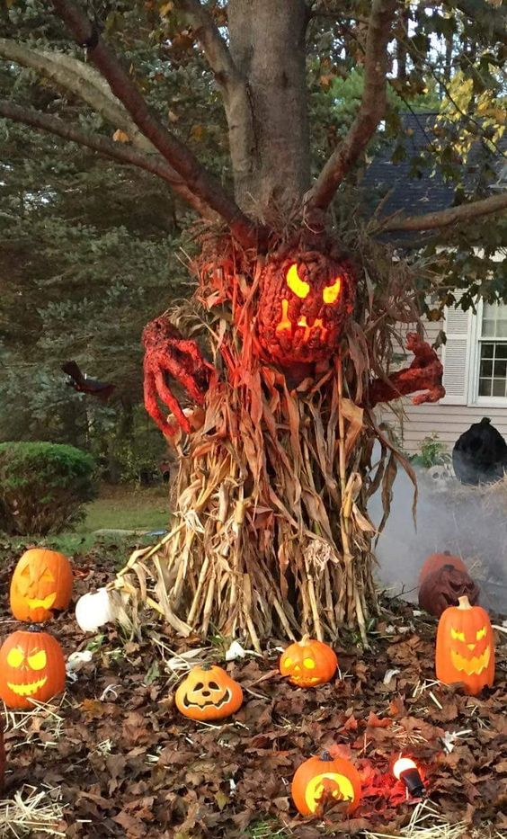 Creepy & Awesome Jack O Lantern tree