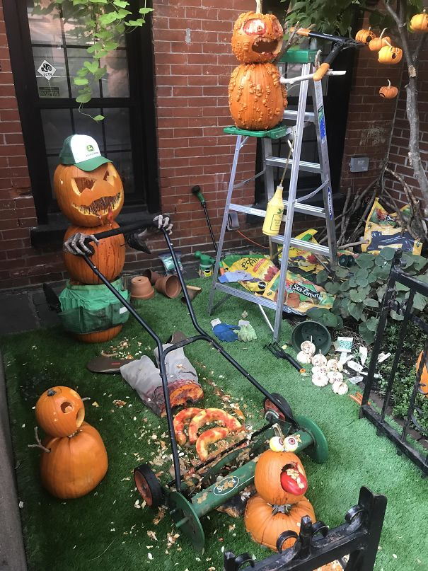Creepy halloween decor of backyard.