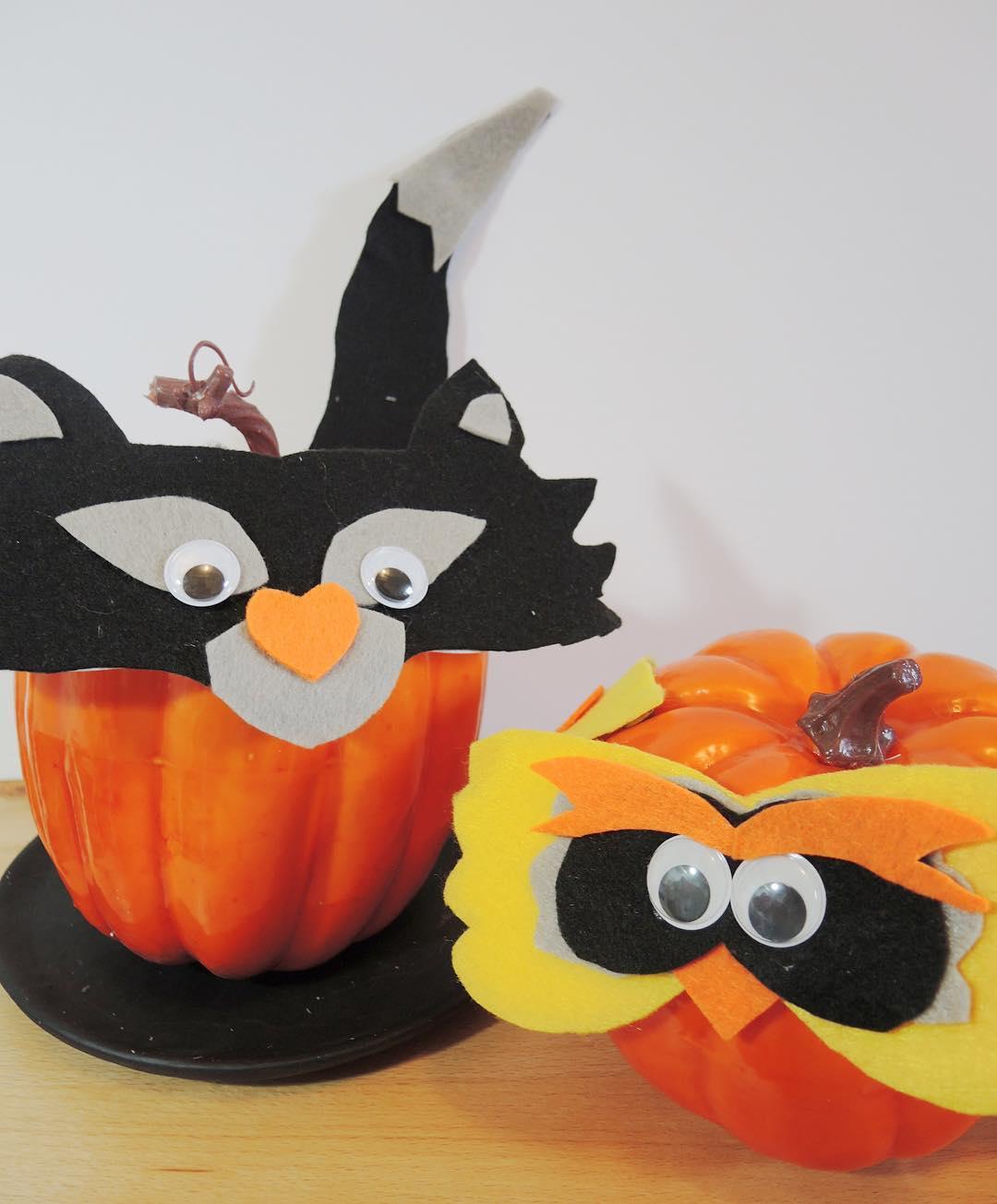 DIY Halloween pumpkin decor. Pic by samlovesarts