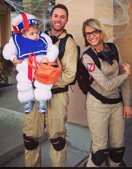Dashing Ghostbuster family costumes for Halloween party.