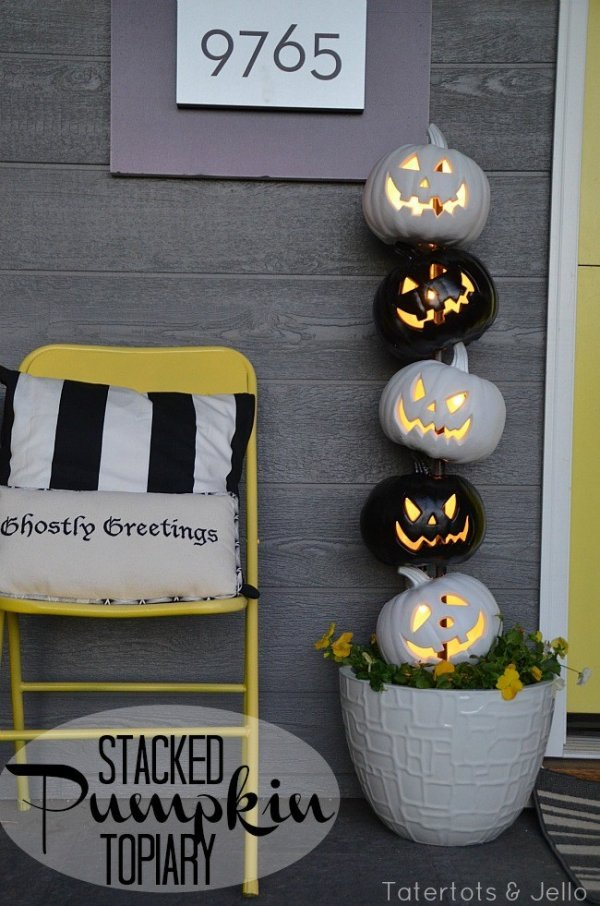 Delightful black and grey stacked pumpkin topiary.