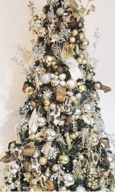 Fantastic gold and silver decoration on Christmas tree. Pic by jajumsanchez