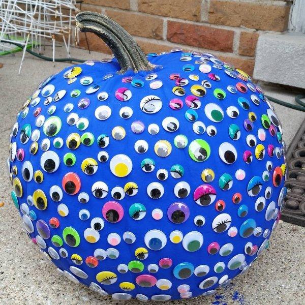 Googly eye pumpkin for Halloween decor. Pic by jilly2786