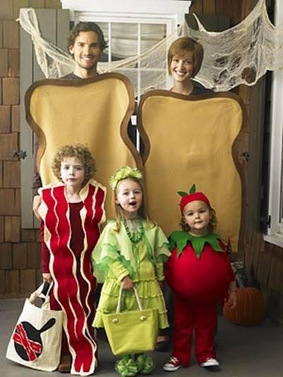 Incredible Halloween family costume.