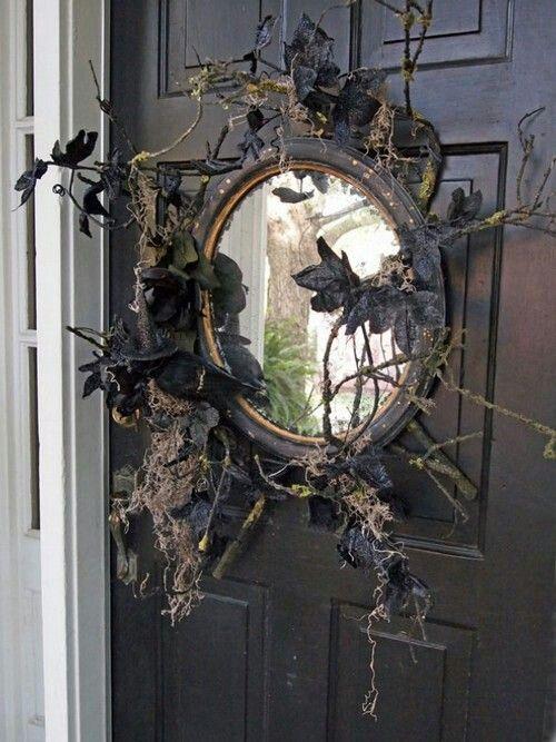 Mirror wreath for Halloween.