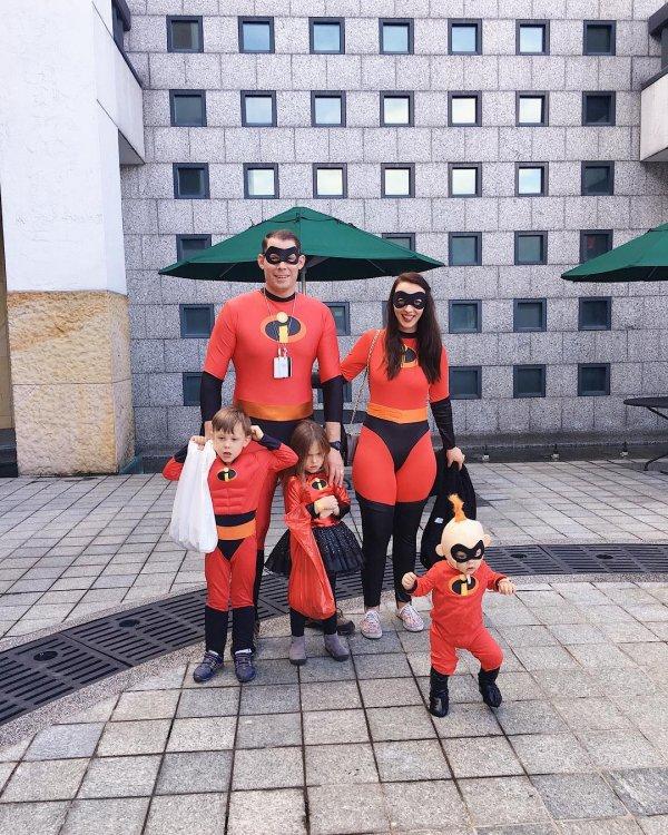Nice halloween family costume of incredible.
