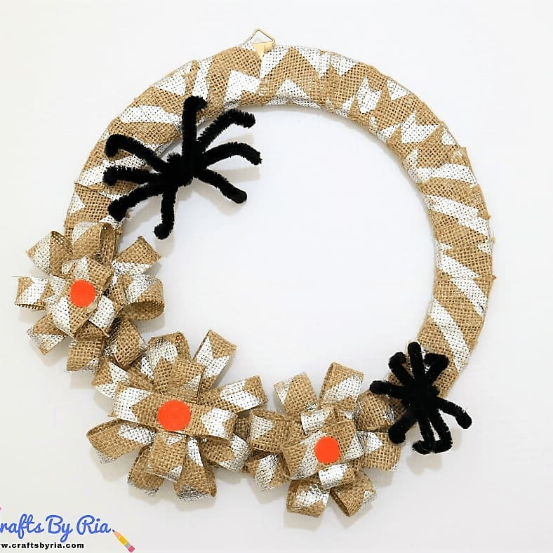 Non scary burlap wreath with spider.