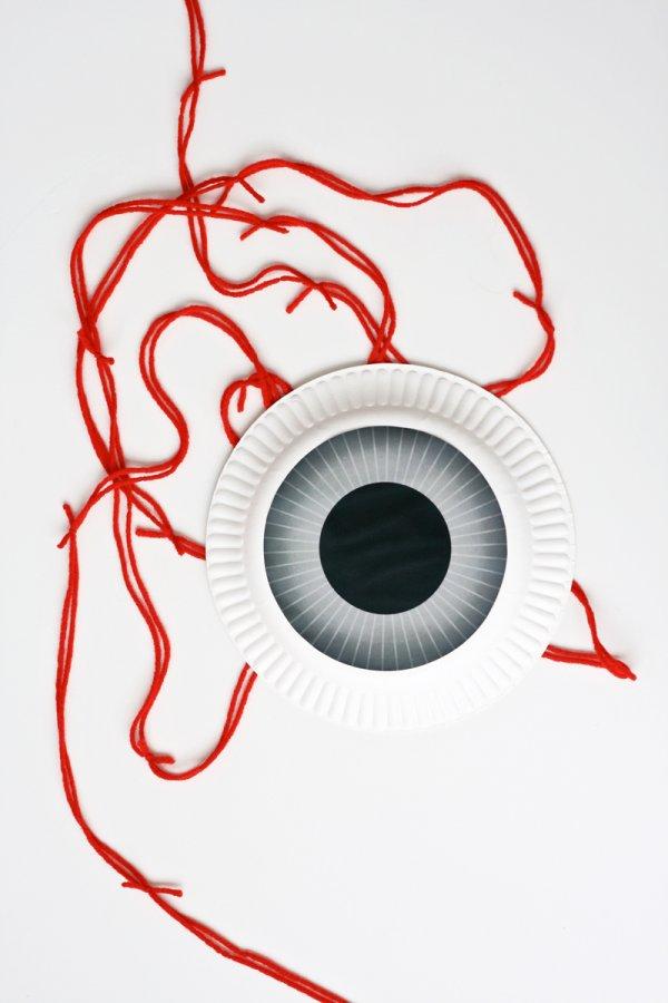 Paper plate eyeball door garland.