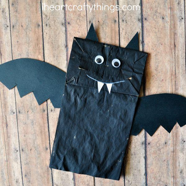 Pretty paper bag bat halloween craft.