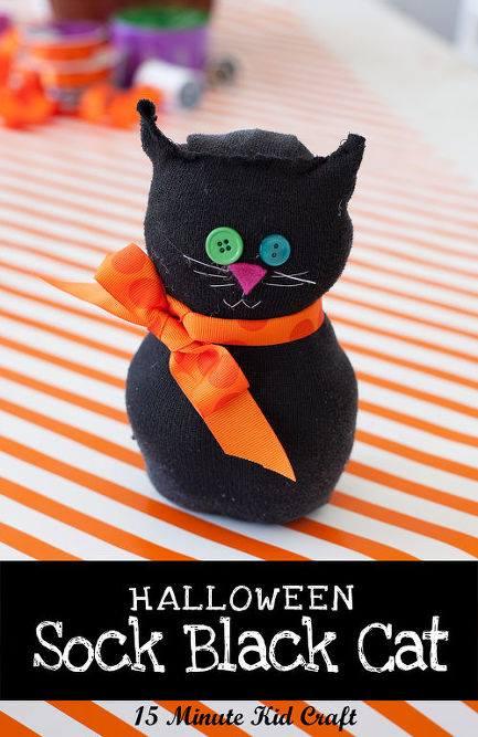 Quick Black cat socks craft for kids.