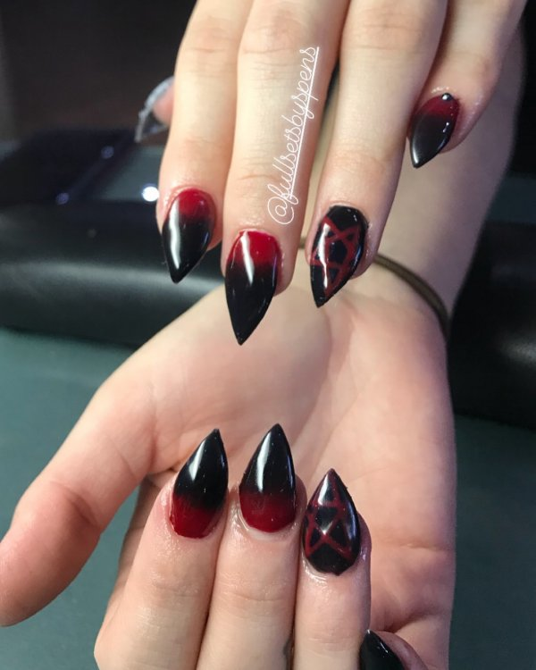 40 Gorgeous And Creative Halloween Nail Art Designs Collagecab