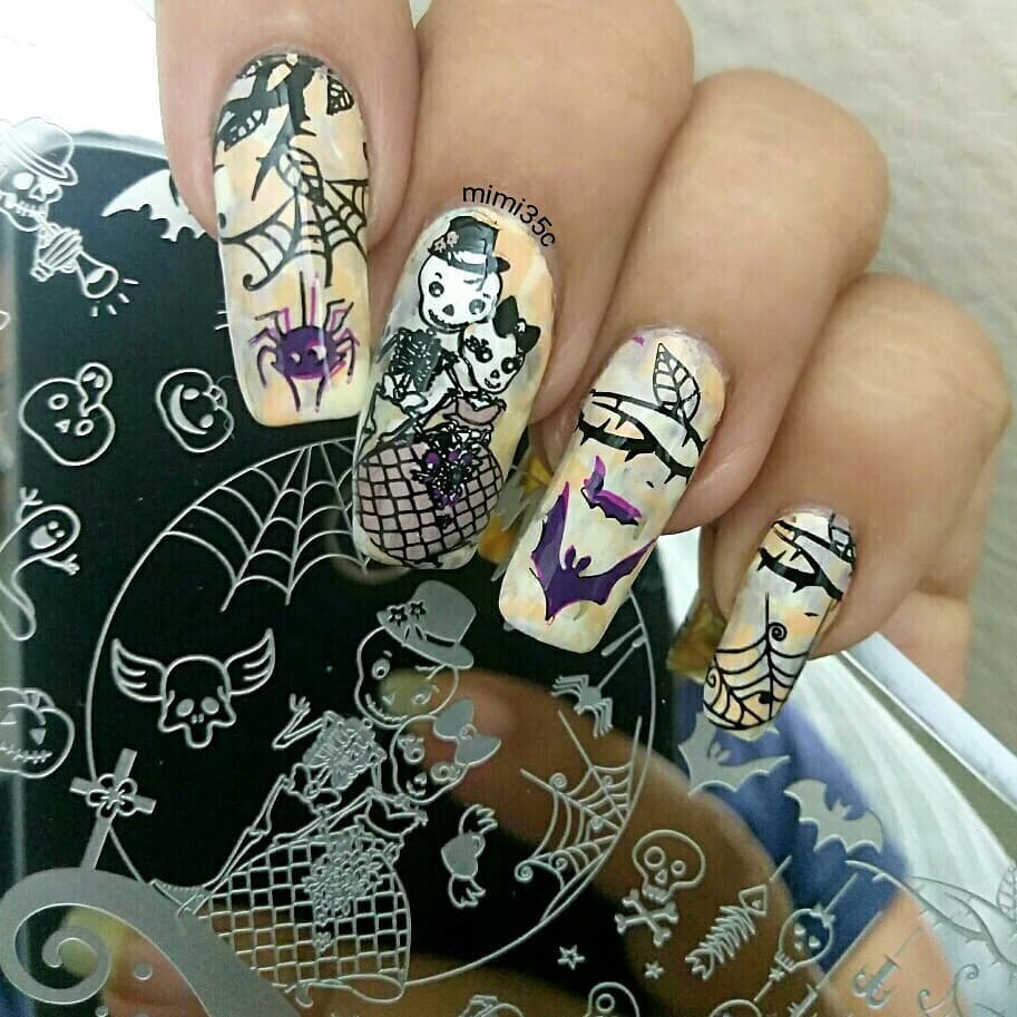 Scary Halloween nails. Pic by mimi35c