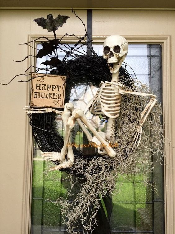 Scary Halloween wreath with skeleton.
