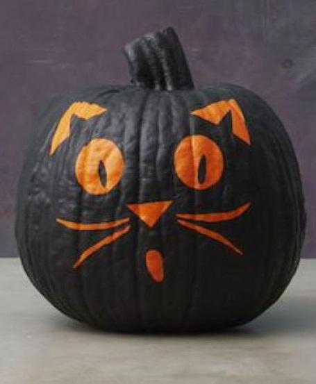 Scary black cat pumpkin.