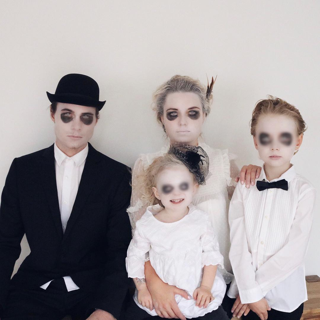 Scary halloween family costumes.