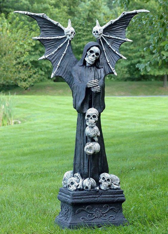 Skeleton queen in front yard.