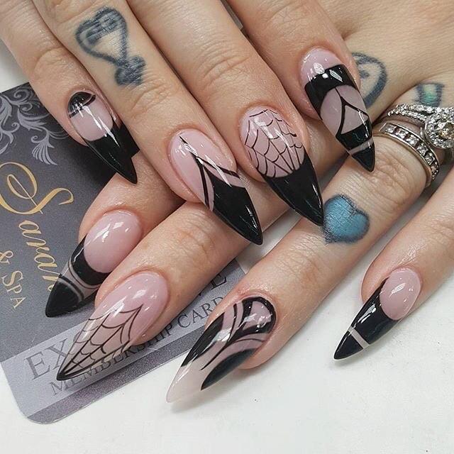 Spider web on stiletto nails. Pic by velvetpirate