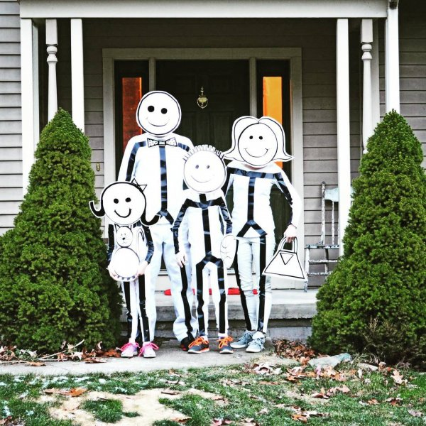 Stick figure costumes bydress up in all-white clothing and outline your limbs in black duct tape.