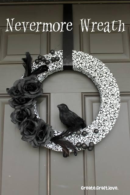 Stunning black and white Halloween wreath.