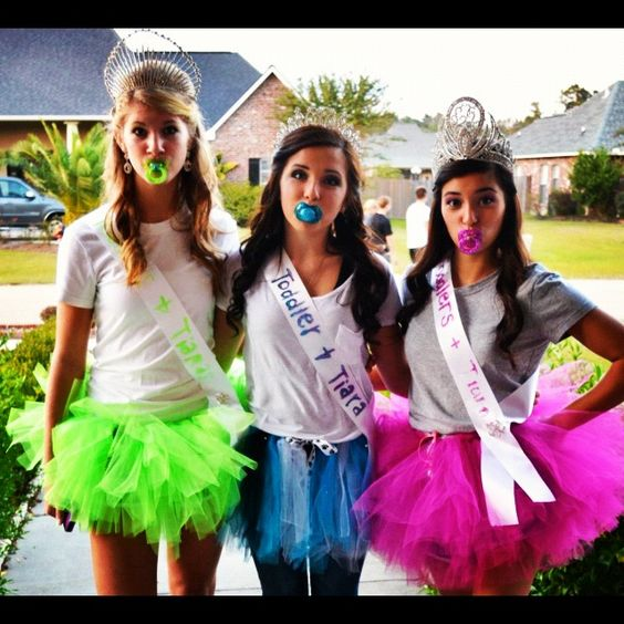 Tiaras group costumes for Halloween.