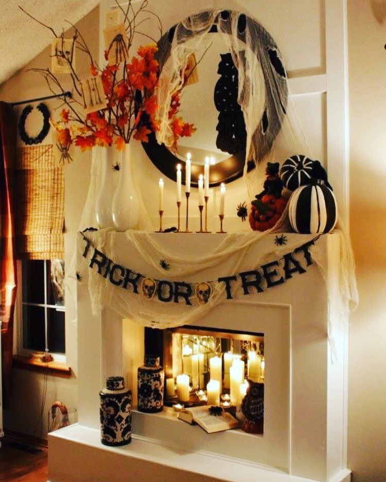 Trick or treat fire place decor for Halloween party. Pic by allhollowseve