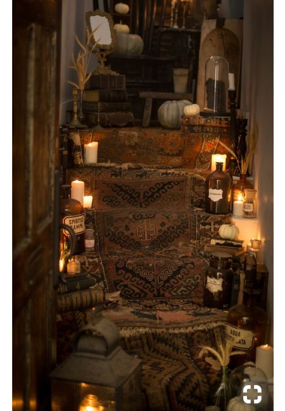 30 Halloween Indoor Decor Ideas To Make A Haunted House